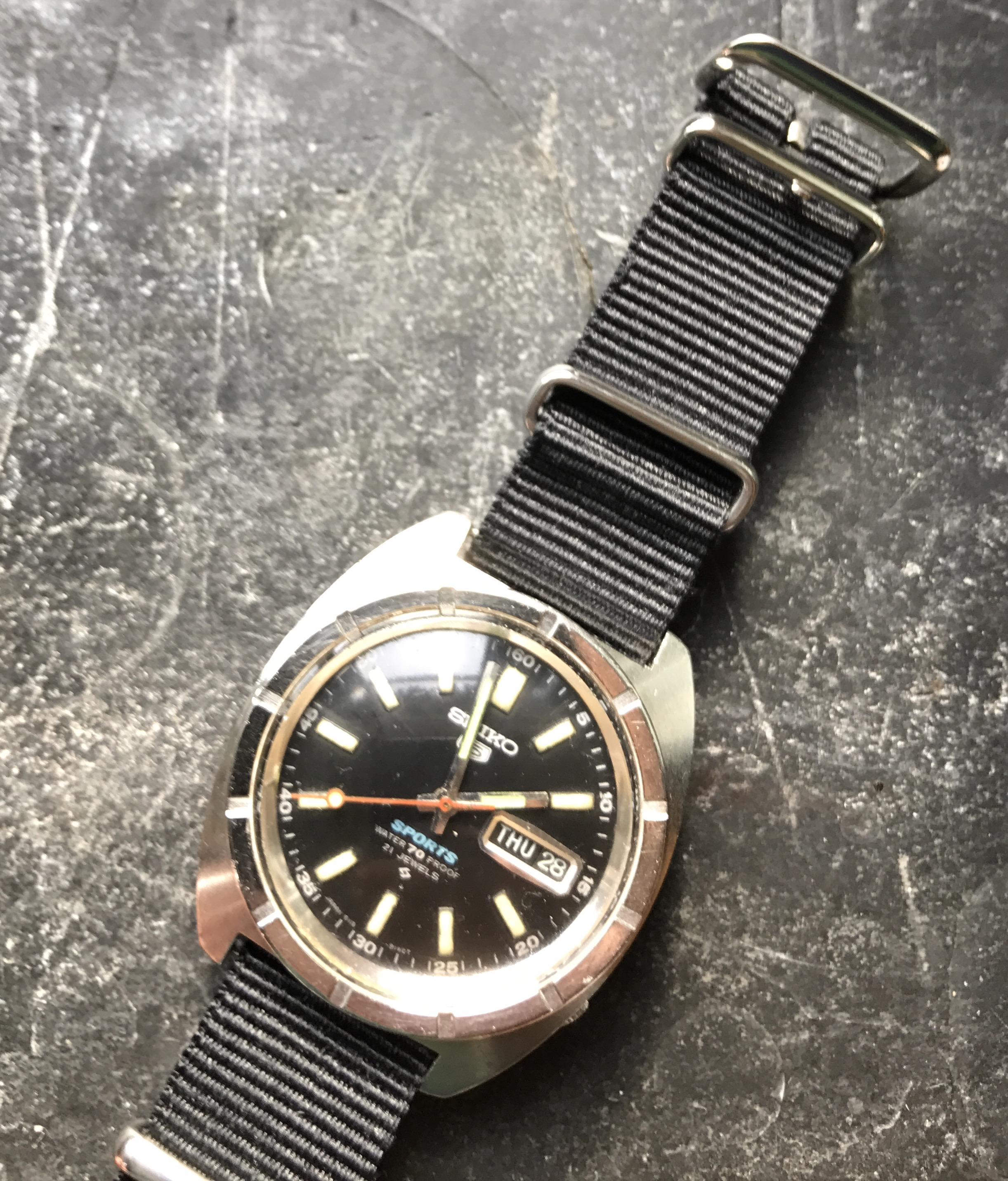 SOLD - 1968 Seiko 5 Sports Diver 6119 8140 £100 | Omega Forums