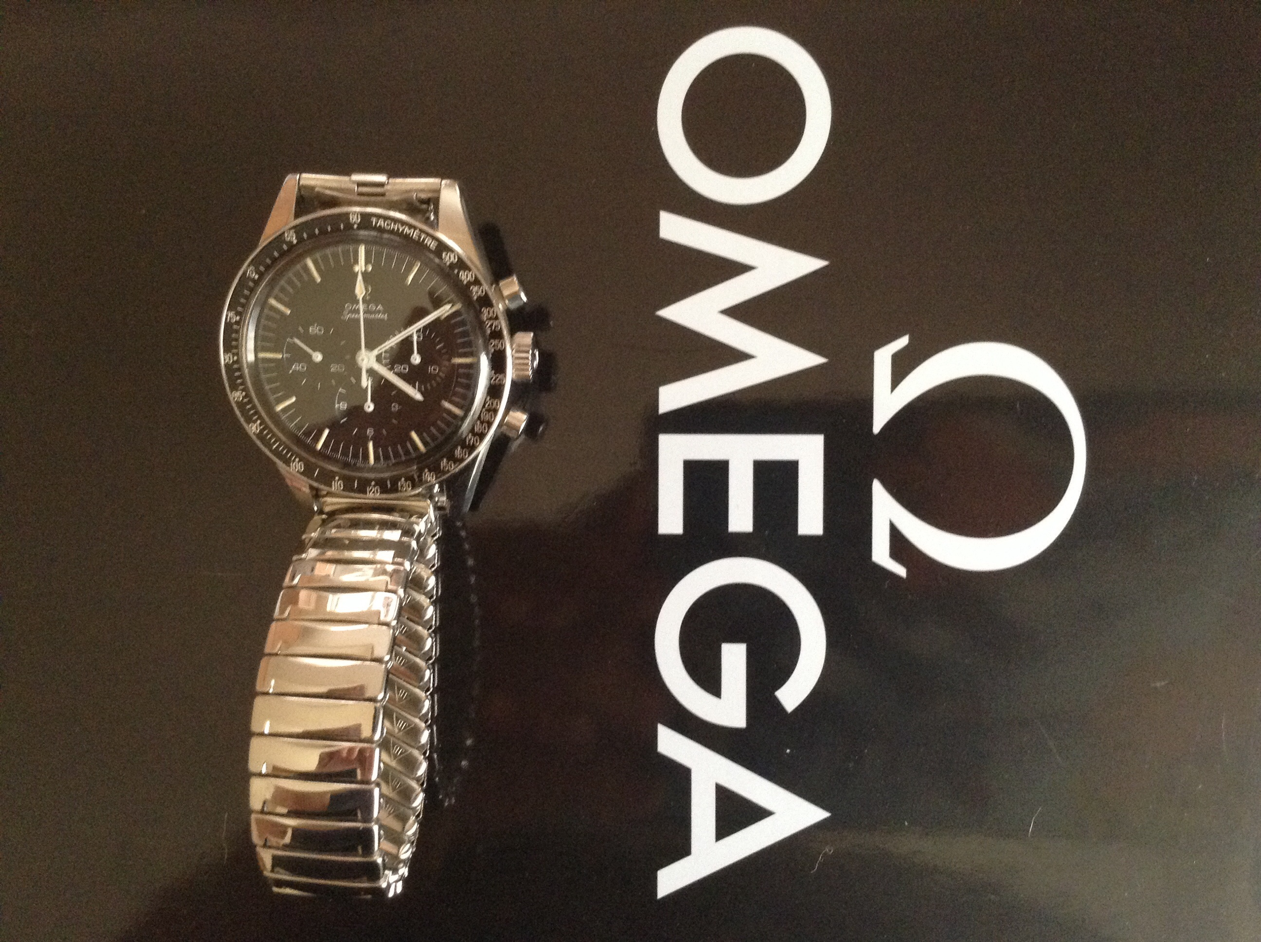 watches with speedmaster carbon release omega press champion dial speedywatches racing speedy a highres