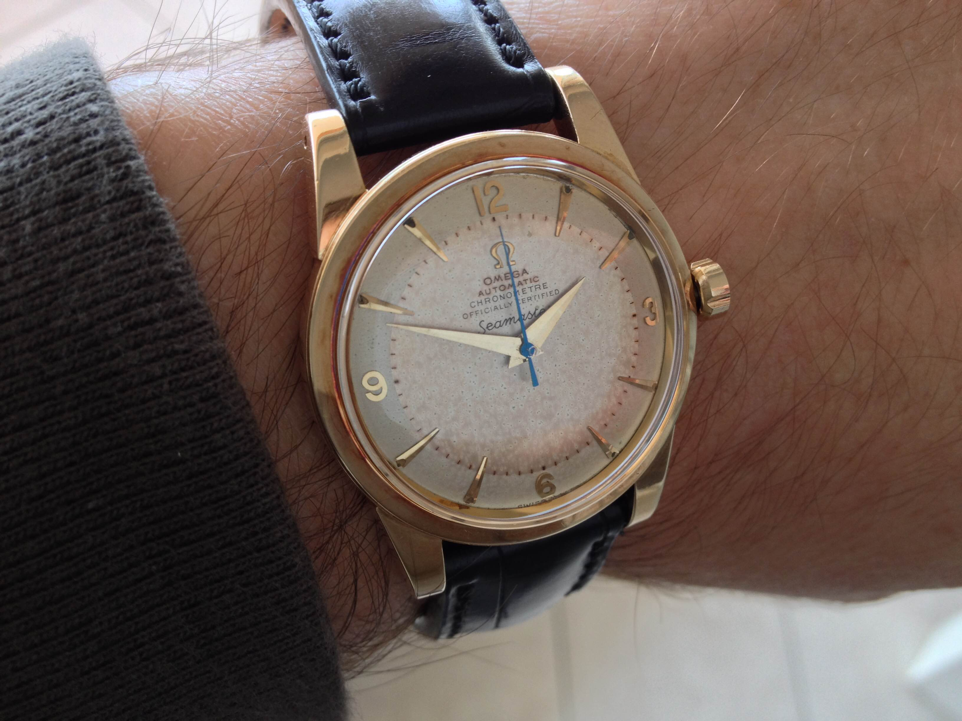 352RG unusual sweeping second hand color (or patina?) | Omega Forums