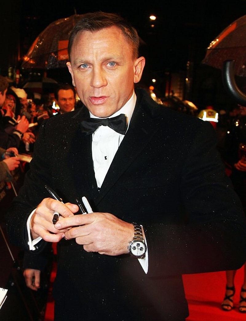Кто из знаменитостей носит часы swatch