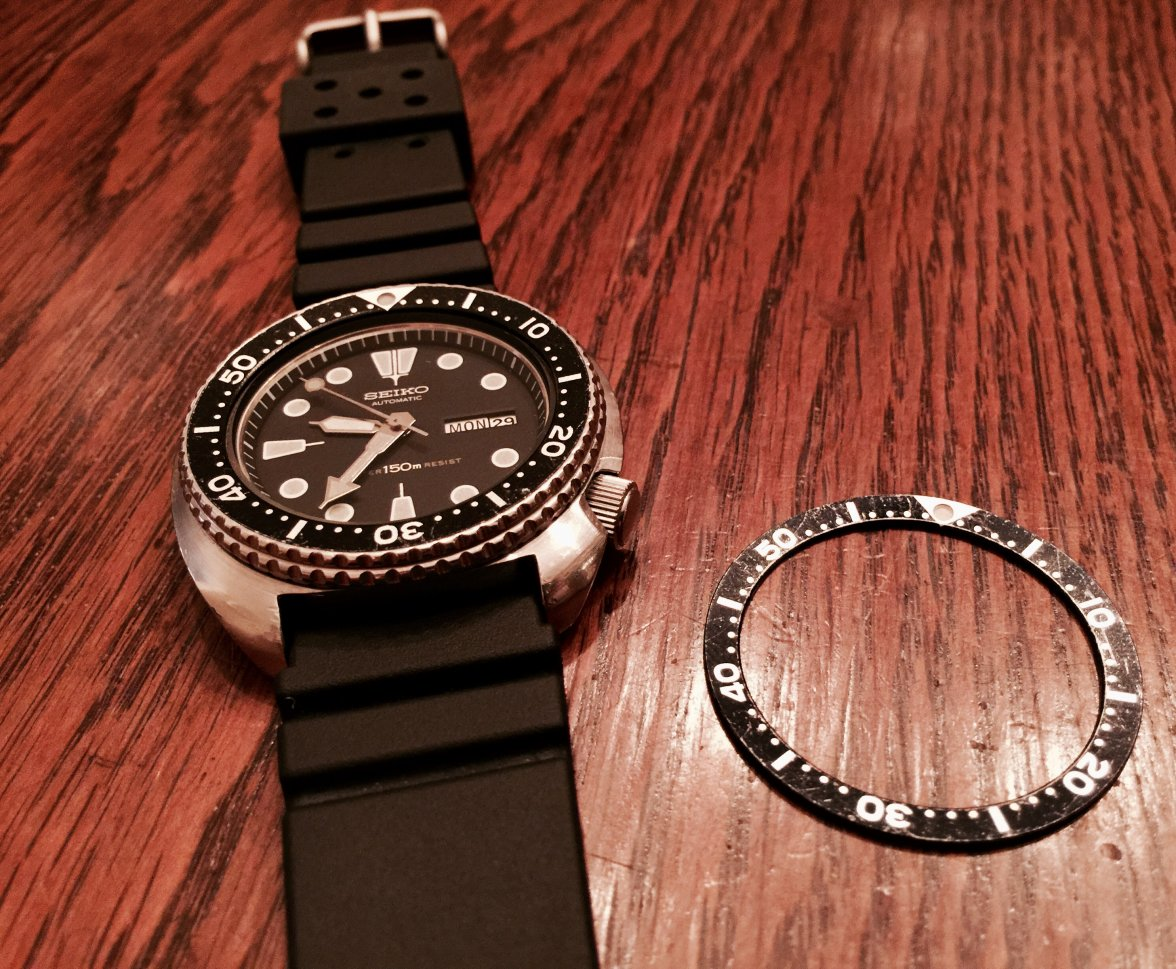 Question regarding how to remove a Seiko diver bezel and insert